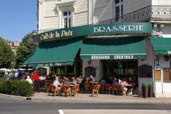 Café de la paix À Chinon